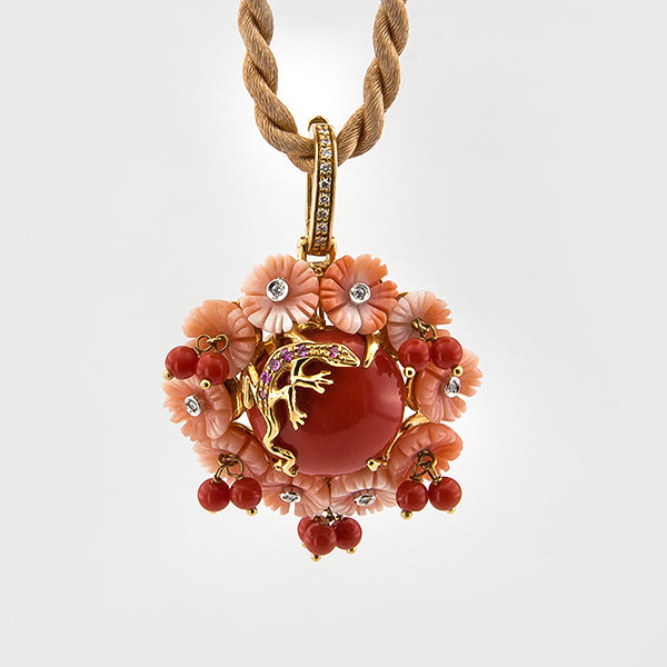 Coral and Diamond Pendant in 18k yellow gold
