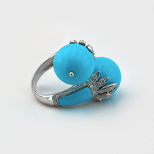 Turquoise and diamond ring in 18k white gold