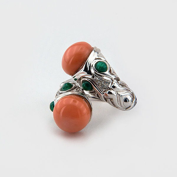 Coral, jade and diamond ring in 18k white gold