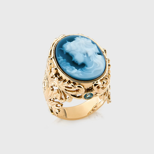 Cameo and gemstone ring in 14k yellow gold