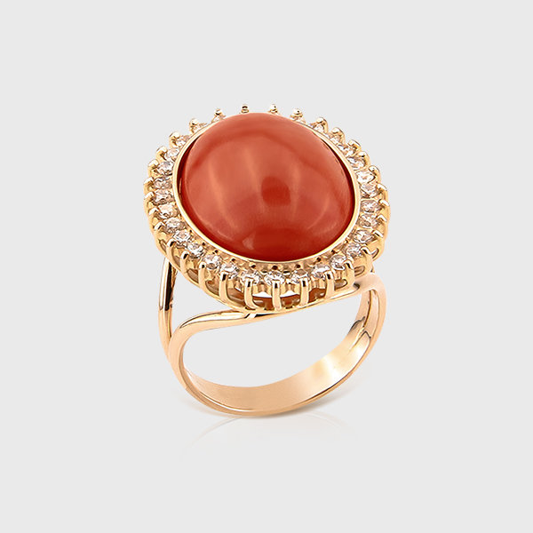 Coral ring in 14k yellow gold