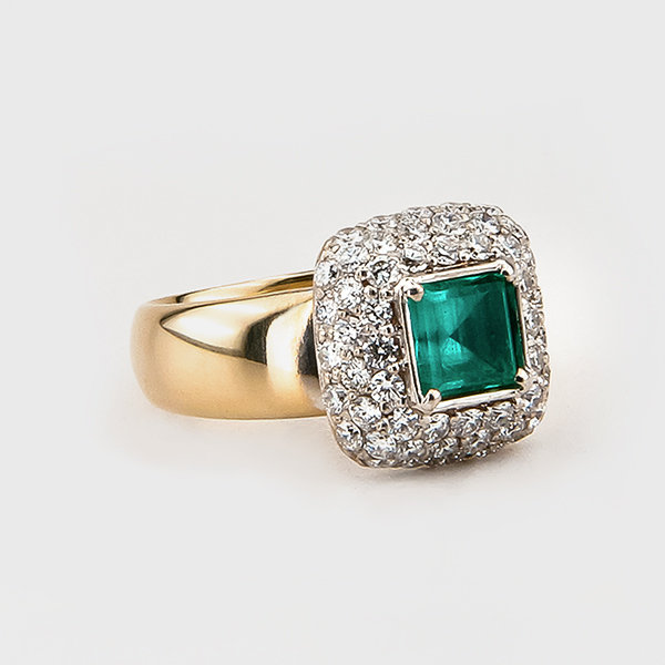 Emerald and diamond ring in 14k yellow and white gold