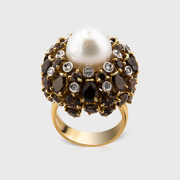 Cultured pearl,diamond and smoky quartz ring in 18К yellow gold