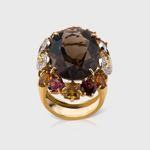 Gemstone and diamond ring in 18k yellow gold