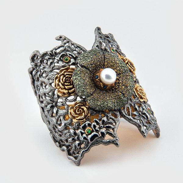 Sapphire,aquamarine,garnet and pearl gemstone bracelet in sterling silver