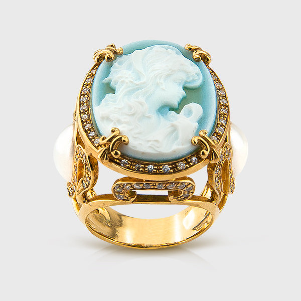 Cameo and Pearl Ring in yellow gold plated silver
