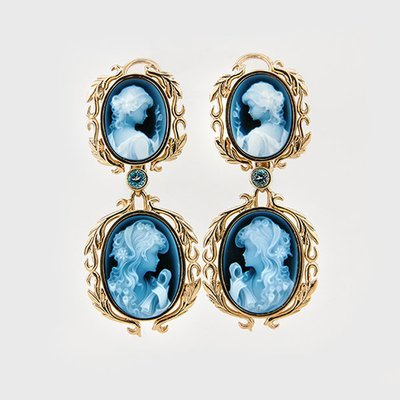 Cameo earrings in 14k yellow gold