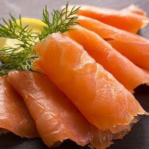 Pre- sliced Scottish cold smoked Salmon - 16 oz. Origin of Faroe Island