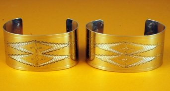 Bracelets 1 ½