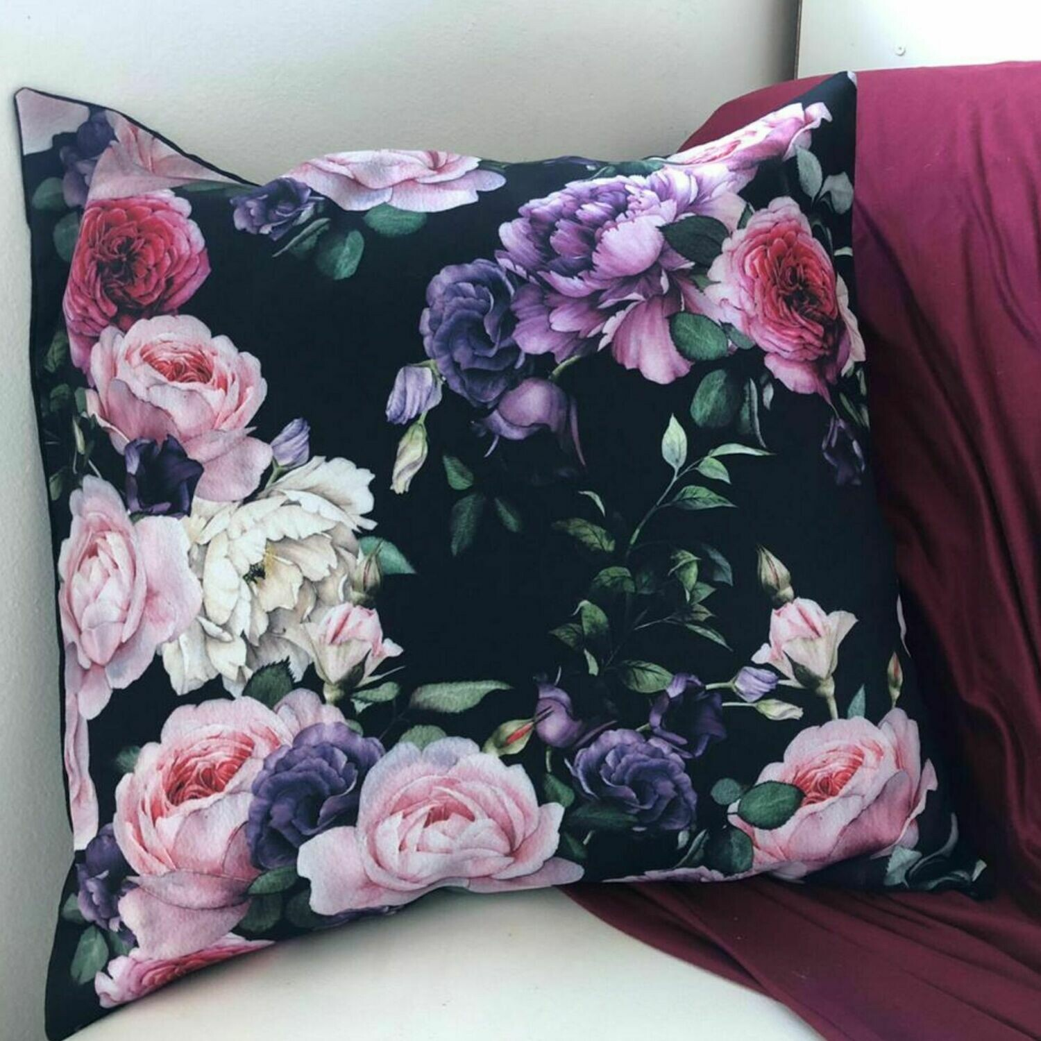 Scatter cushion - floral print 45 x 45 cm