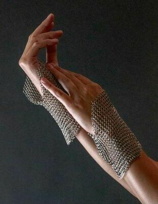 Hera's Wristlet