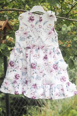 Šaty pro holčičku s květinami