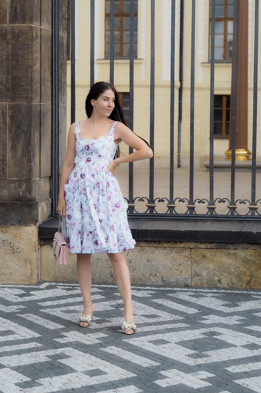 Bavlněné šaty s květinovým potiskem