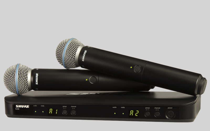 SHURE BLX288E/B58 M17 двухканальная радиосистема с двумя ручными передатчиками BETA 58