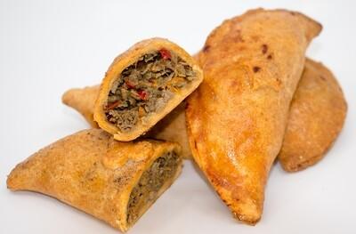 Empanadas aus Maisteig mit Hühnerfleisch