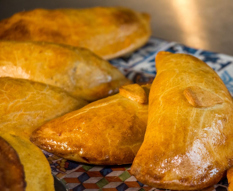 Empanadas aus Dinkelteig mit Rindfleischfülle