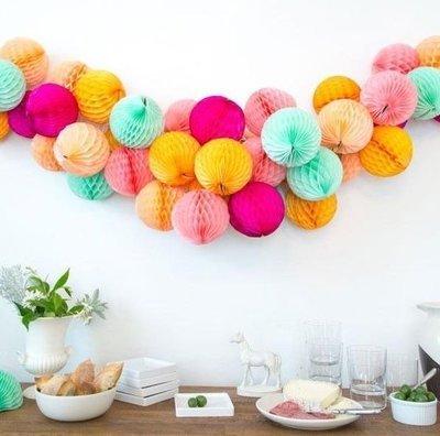 Сет из бумажных шаров на стену
