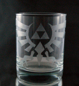 Legend of Zelda Hylian Crest Etched Glass C-002