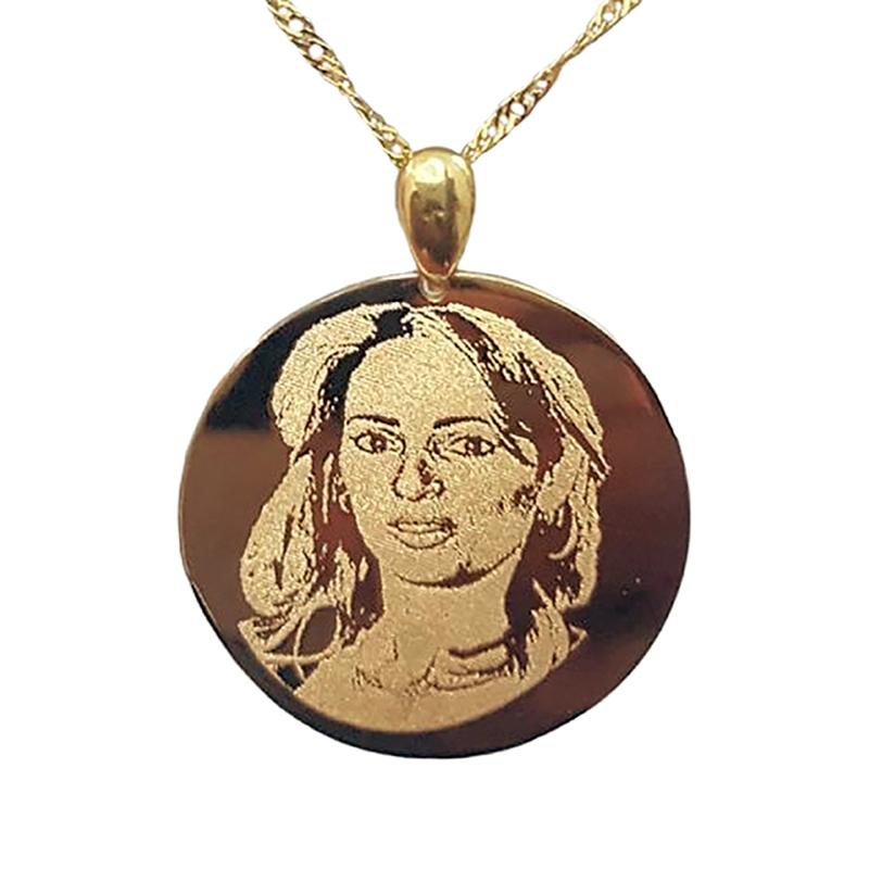 חריטה תמונה על תליון זהב