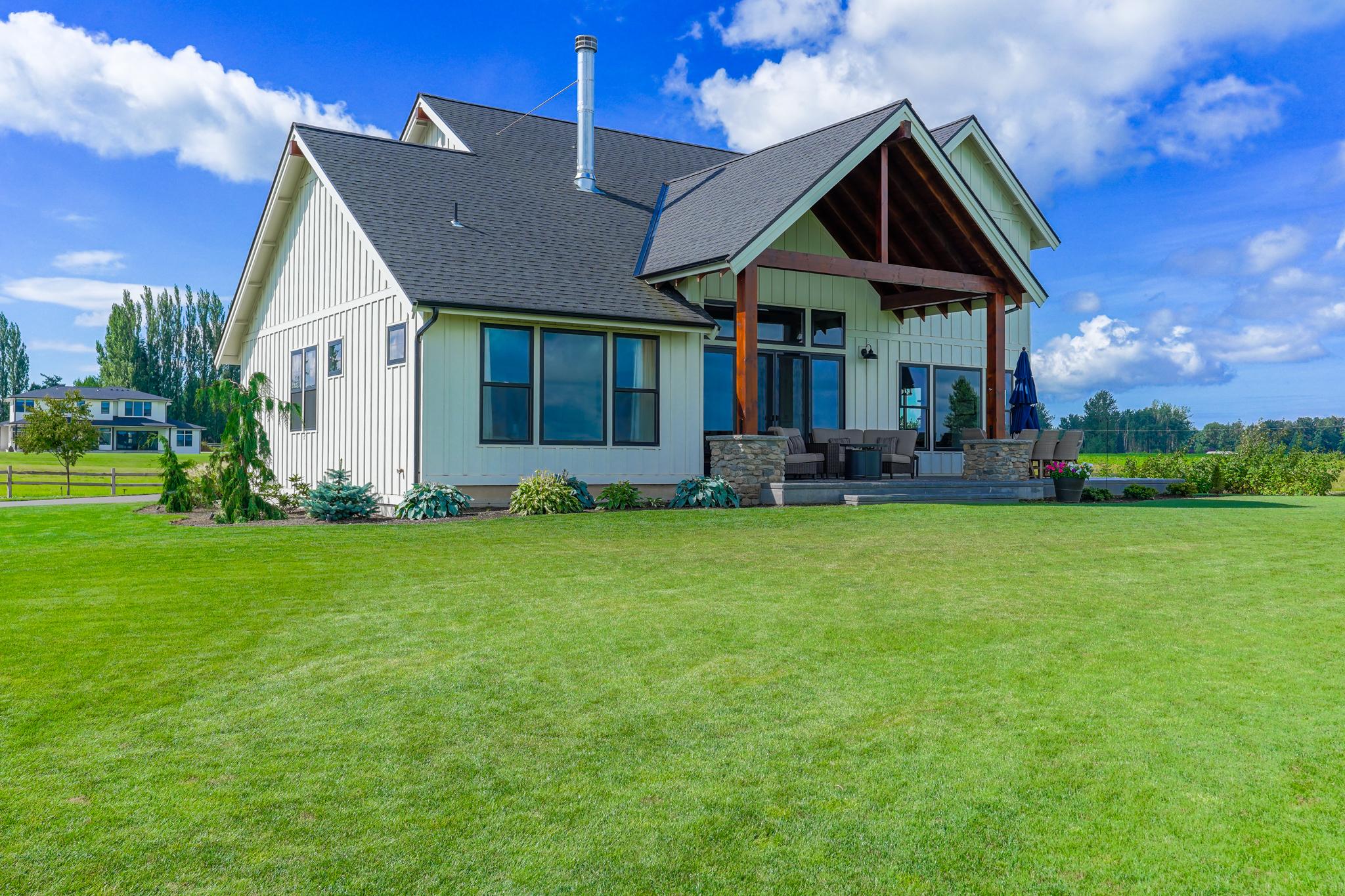 Contemporary Farmhouse 845