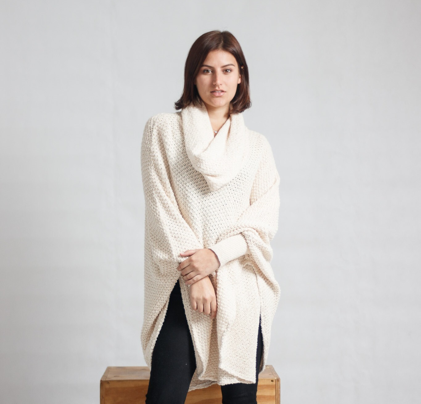 Poncho Pine-Knit Cream