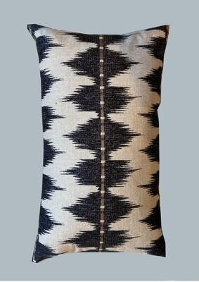 Pillow black & white