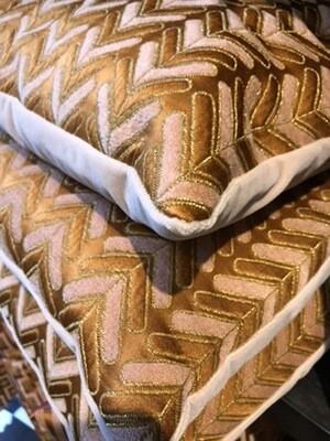 Pillow arrow
