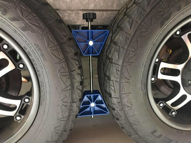 Caravan RV Trailer Dual Tandem Wheel Chock Locking System