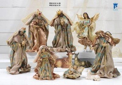 Set van 10 aangeklede figuren  31 cm