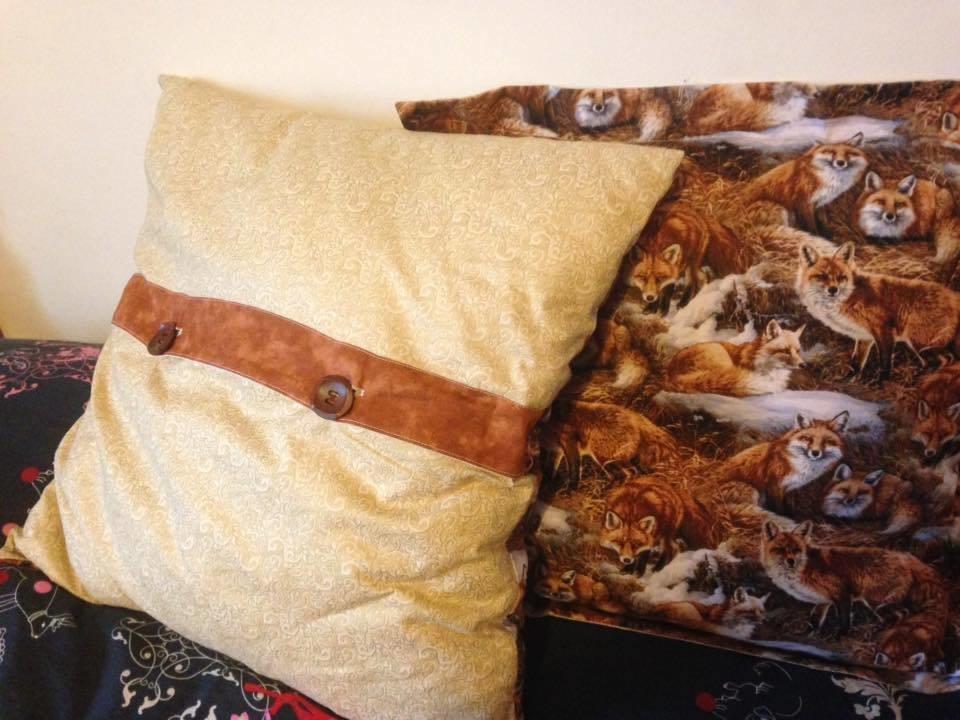 Plain/Oxford Pleat cushion