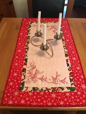 Ring those Christmas Bells Table runner