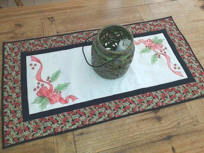 Holly Berries Table runner