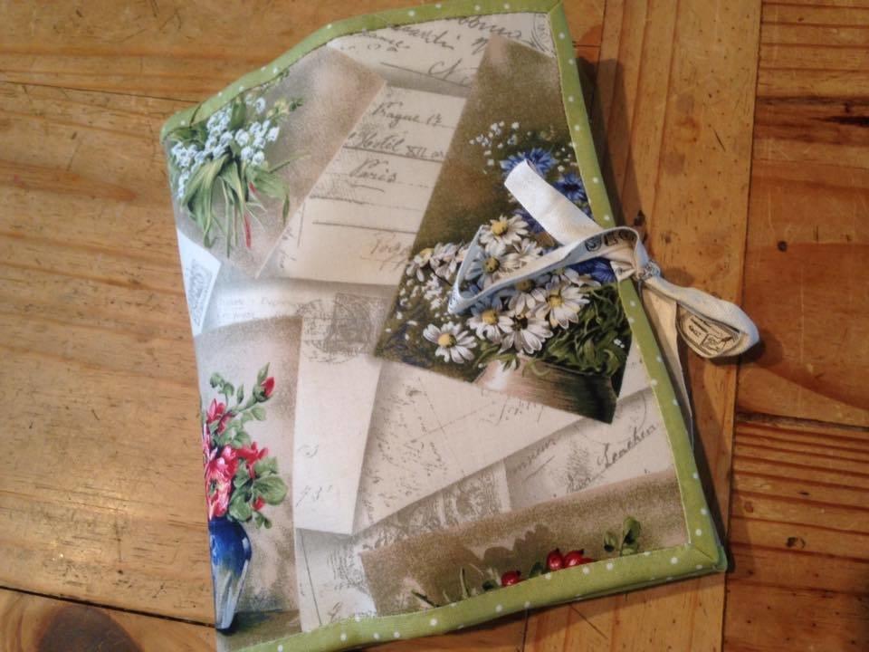 Tri-fold Stitchery folder