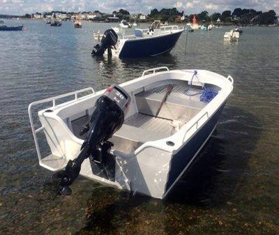 4.2 Topaz boat