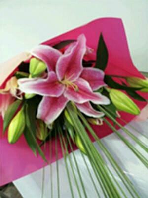 Oriental Lily Wrap
