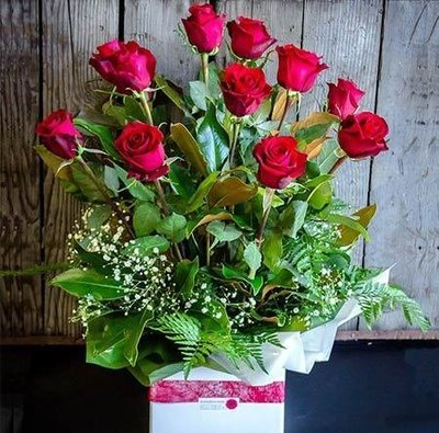 Dozen Long Stem Red Rose Box Arrangement