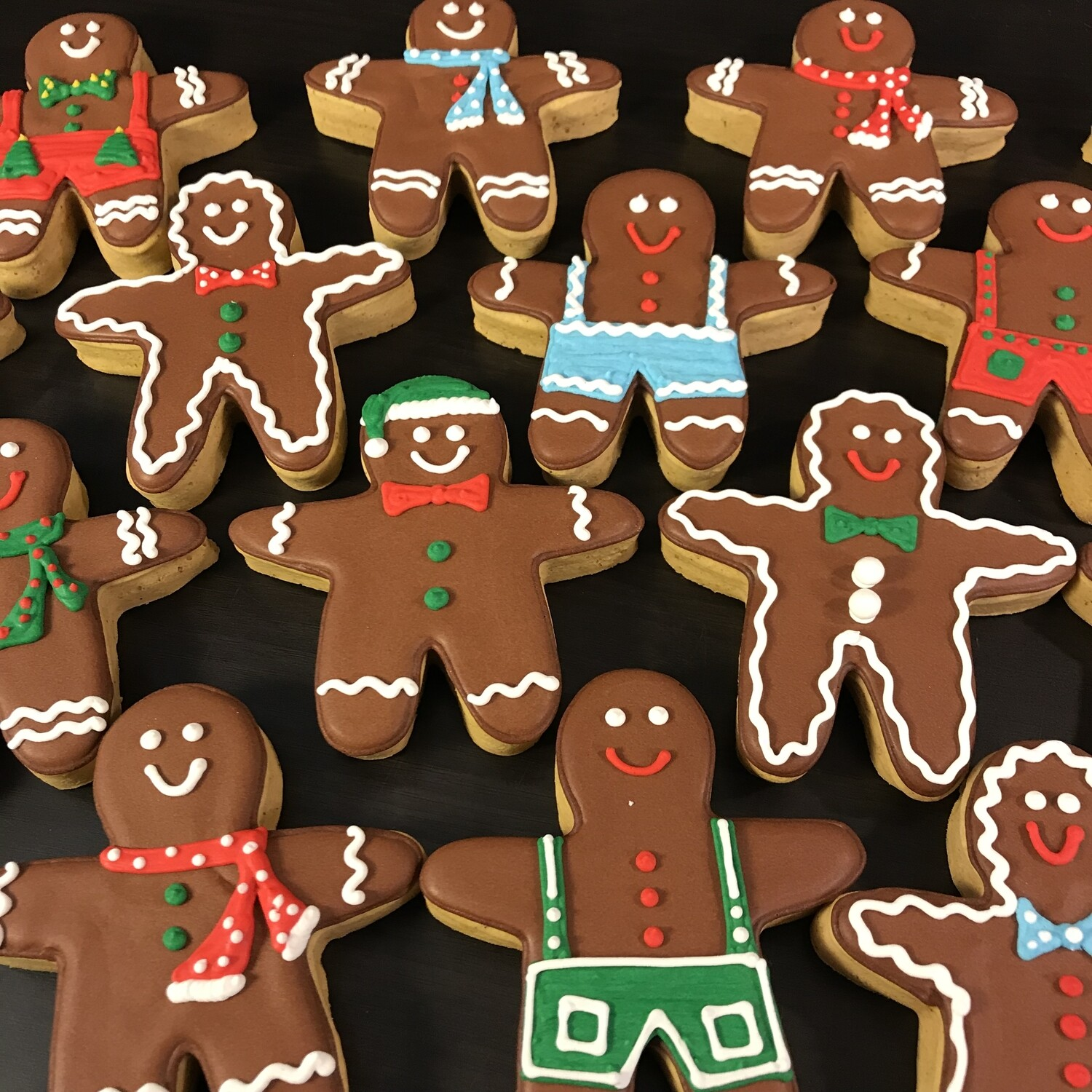 LARGE GINGERBREAD MEN (1 DOZEN)