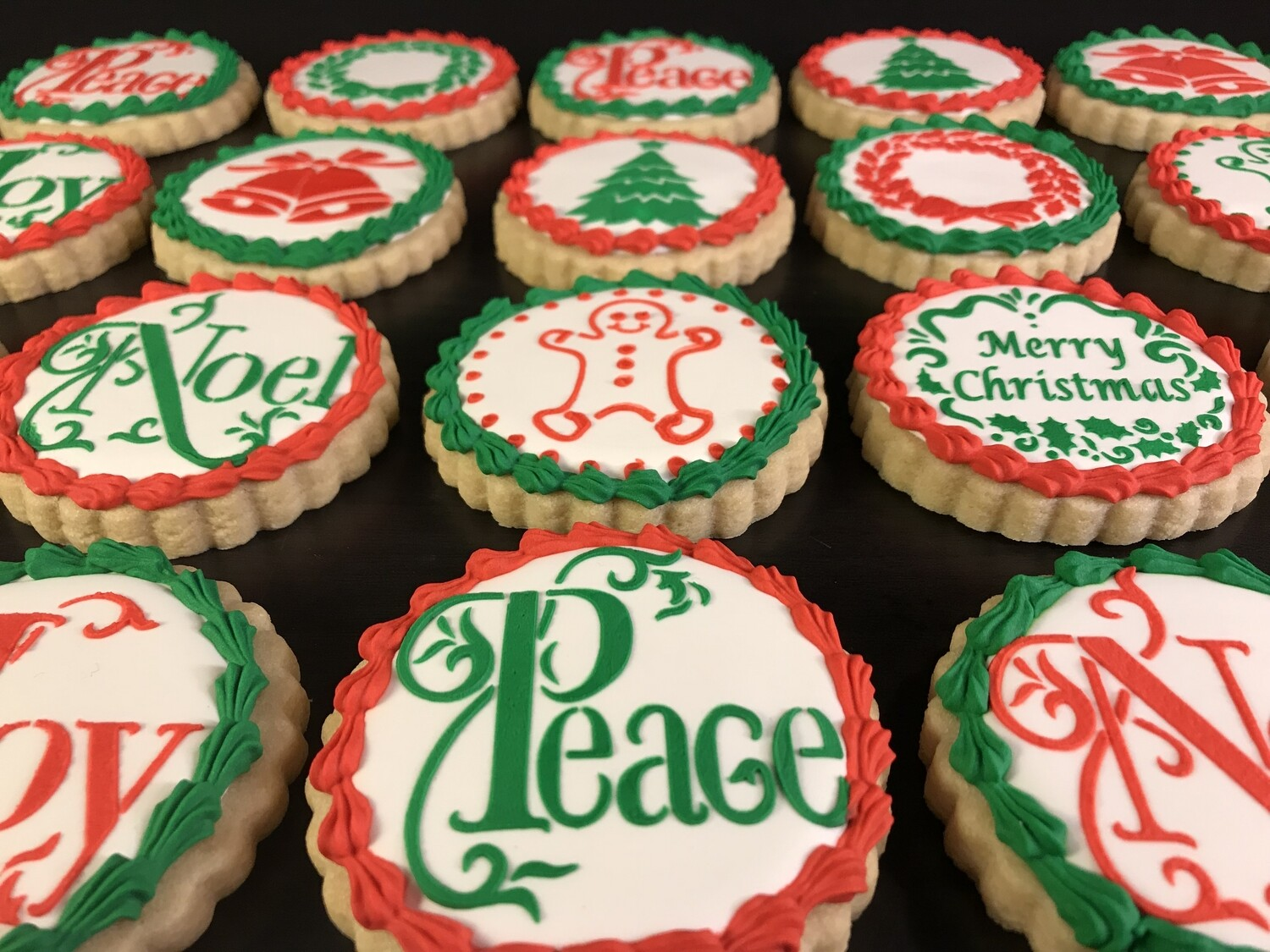 PEACE CHRISTMAS ROUND SET (1 DOZEN)