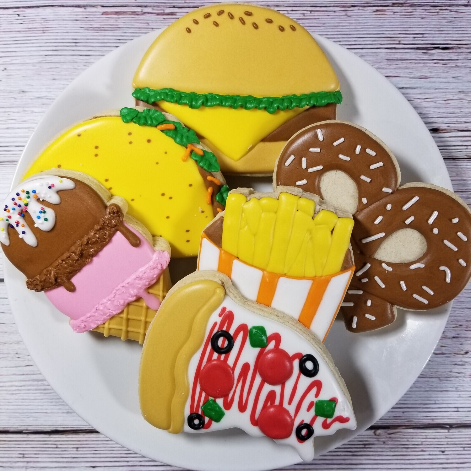 'JUNK FOOD Decorating Workshop - MONDAY, AUGUST 16th at 6 p.m. (THE COOKIE DECORATING STUDIO)