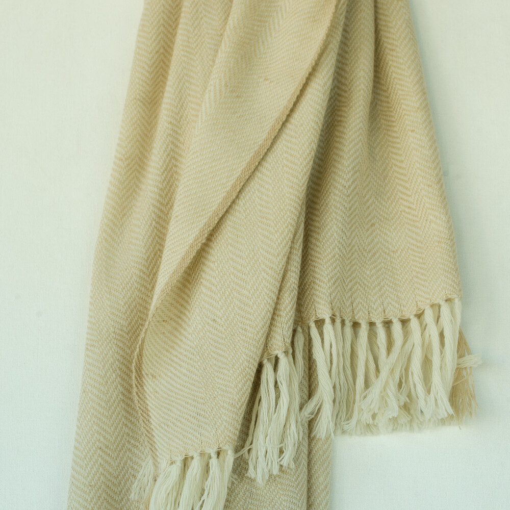 Hand-woven woollen stole dyed with tea