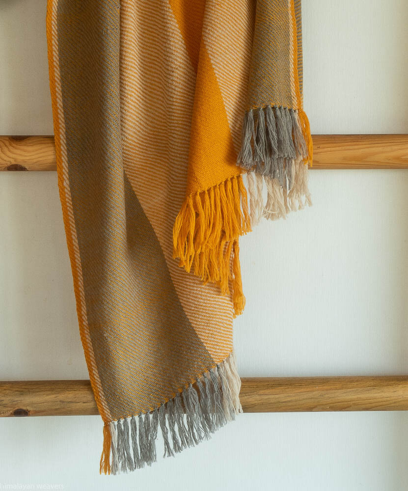 Hand-woven woolen shawl dyed with tea, tesu flowers and harada (myrobalan)