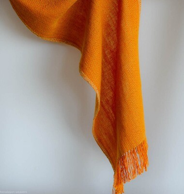 Scarf woven with handspun wool dyed with tea and tesu flowers