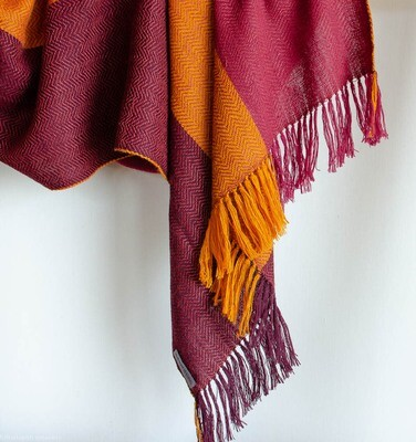 Hand-woven stole wool and eri silk dyed with sappanwood and tesu flowers