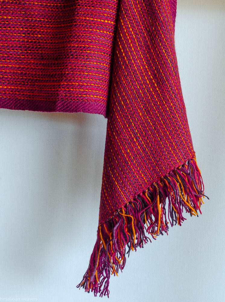 Scarf woven with handspun wool dyed with madder, sappanwood and tesu flowers