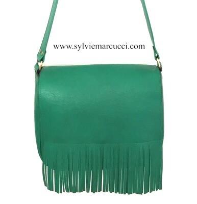 Demi lune sac besace cuir vert rabat à frange changeable, modèle déposé  FR1049594