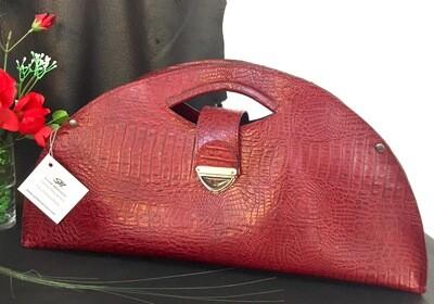 Mariluna cuir rouge bordeaux porté épaule ou main, lanière détachable #saccreateur #cuirtoulouse modèle déposé FR1049593