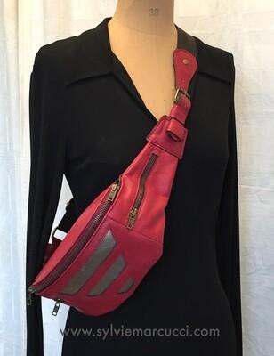 sac banane ou sac ceinture cuir rouge cerise fermeture zippée pièce unique