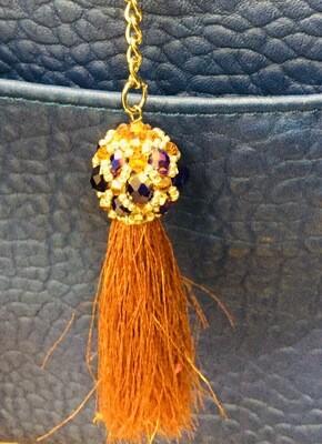 Bijou de sac à pompon métallisé et perles colorées,porte clés, anneaux et mousquetons bijou artisanal pièce unique