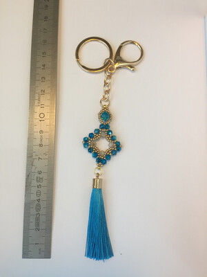 Losange turquoise pendentif de sac ou porté clé/ fait main pièce unique