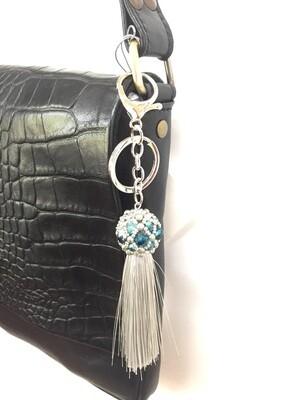 Boule grise turquoise et pompon gris pendentif de sac ou porté clé/ fait main pièce unique